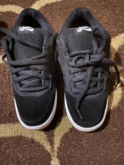 2006 Nike SB Zoom Air Regime Black  Low Sneakers Skateboardi
