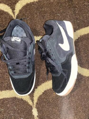 2006 Air Black Sneakers 8.5